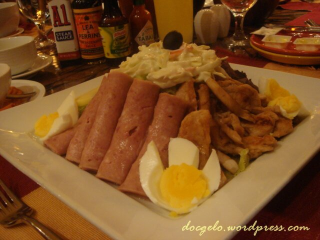 chef's salad @ vegas cafe, thunderbird resort la union