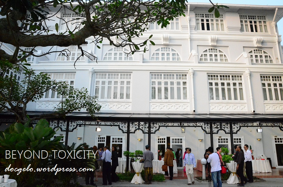 Breakfast was served at the courtyard of Eastern and Oriental Hotel, George Town, Penang